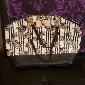 Betsey tote